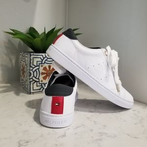 👟 TOMMY HILFIGER WHITE LEATHER SNEAKERS